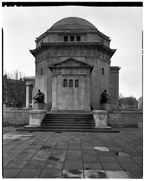 http://www.davidrowan.org/files/gimgs/21_broad-st-hall-of-memory-12-april-1964.jpg