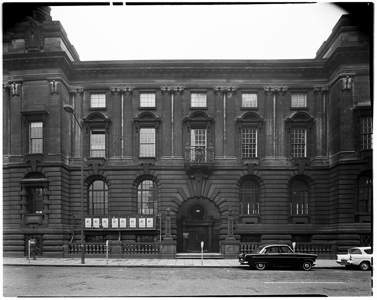 http://www.davidrowan.org/files/gimgs/21_congreve-street-view-of-council-house-12-april-1964-1.jpg