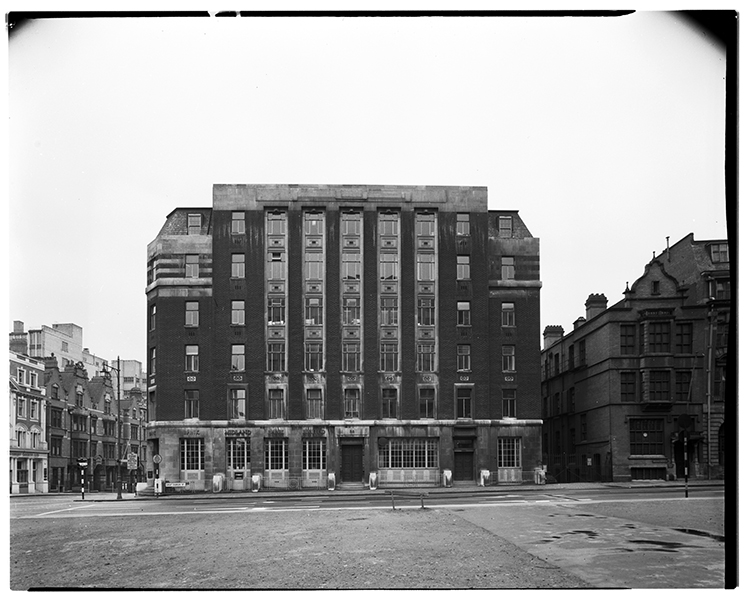 http://www.davidrowan.org/files/gimgs/21_gt-charles-st-view-of-york-house-co-newhall-st-12-april-1964.jpg