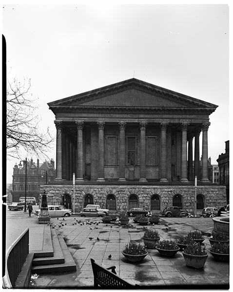 http://www.davidrowan.org/files/gimgs/21_view-of-town-hall-victoria-sqr-12-april-1964.jpg