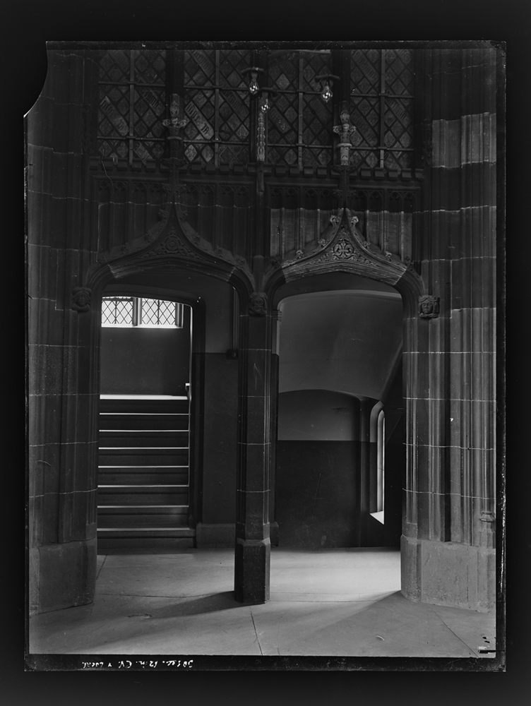 http://www.davidrowan.org/files/gimgs/54_ke-archive-extra-large-glass-plate-negatives----big-school-top-of-boys-staircase-cloisters-3.jpg