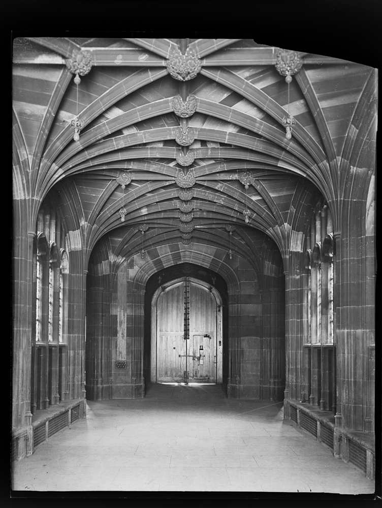 http://www.davidrowan.org/files/gimgs/54_ke-archive-extra-large-glass-plate-negatives----lower-corridor-looking-south.jpg
