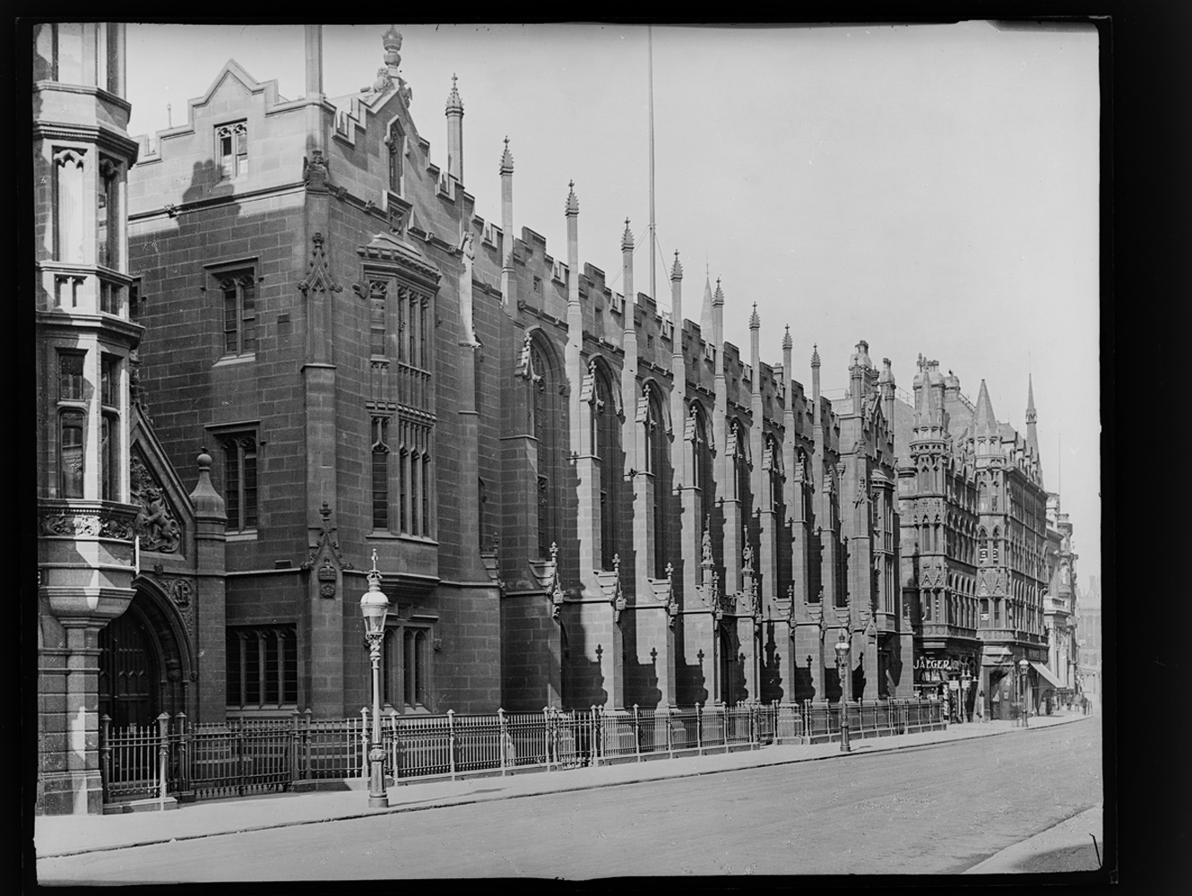 http://www.davidrowan.org/files/gimgs/54_ke-archive-extra-large-glass-plate-negatives----new-st-school-exterior.jpg