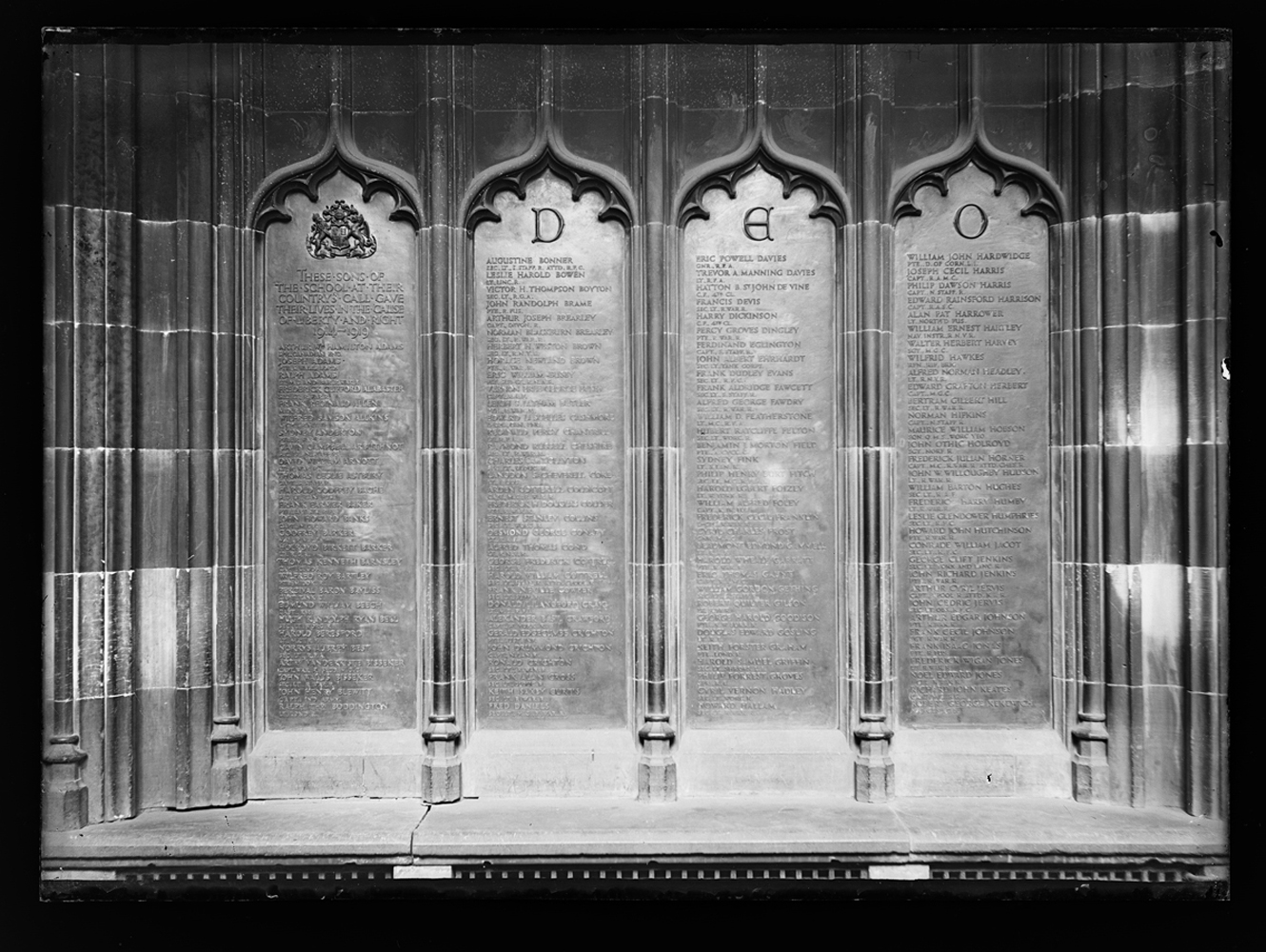 http://www.davidrowan.org/files/gimgs/54_ke-archive-large-plates---war-memorial-plaques-2.jpg