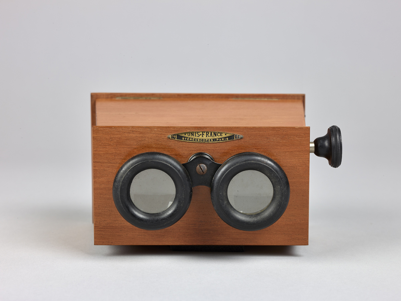 http://www.davidrowan.org/files/gimgs/54_ke-archive-stereoscope-viewer-two-01.jpg