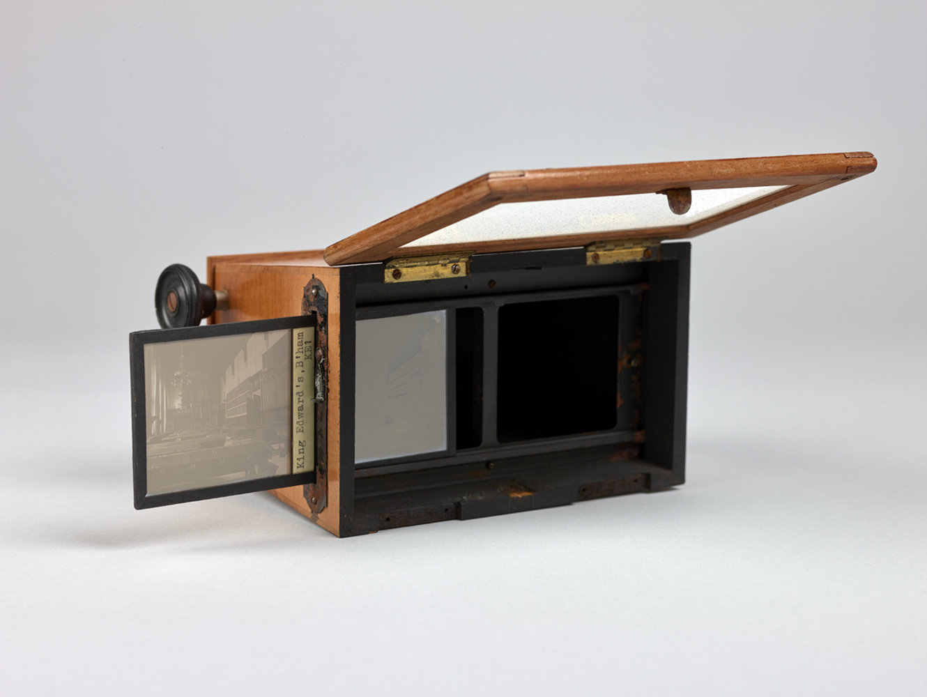 http://www.davidrowan.org/files/gimgs/54_ke-archive-stereoscope-viewer-two-19.jpg