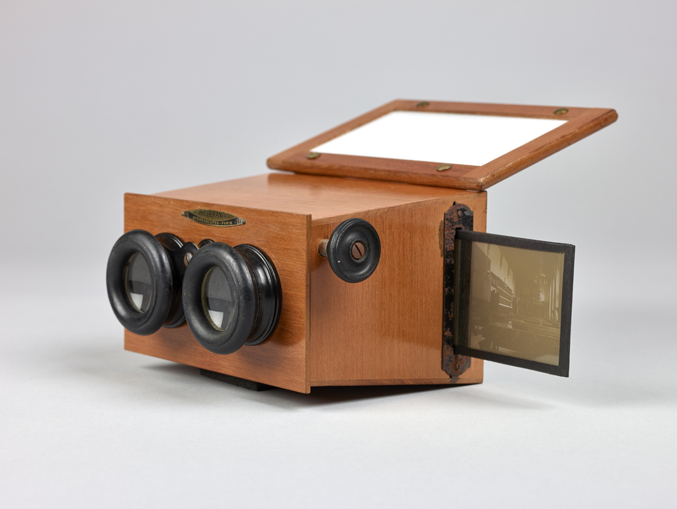 http://www.davidrowan.org/files/gimgs/54_ke-archive-stereoscope-viewer-two-20.jpg